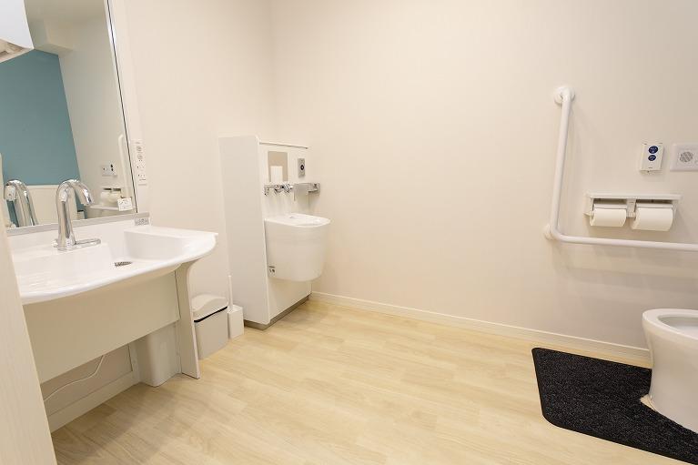 トイレ(合計8室設置)
